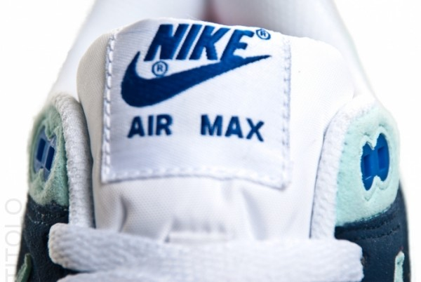 nike-wmns-air-max-1-white-mint-candy-obsidian-3