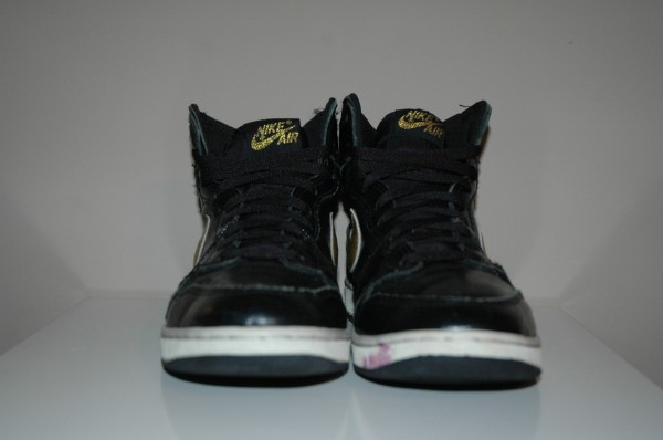 Air Jordan 1 1985 Friends and Family Sample