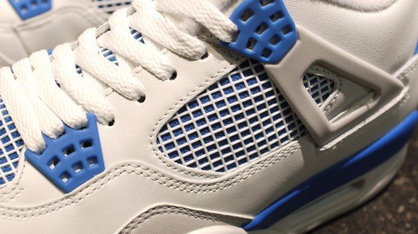 Air Jordan 4 'Military Blue' - New Images
