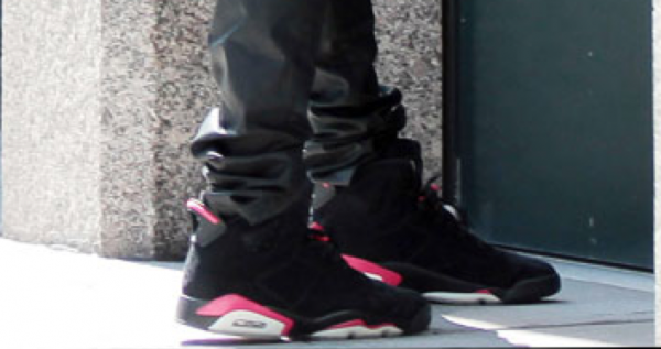 Kanye West in the Air Jordan 6 'Infrared' in NYC