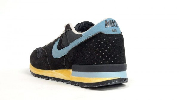 Nike Air Epic Vintage 'Black/Sax' - Another Look