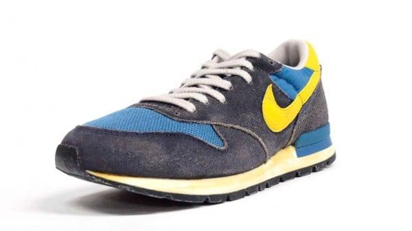 Rareza Hermano violencia  Nike Air Epic Vintage 'Navy/Yellow' - Another Look | SneakerFiles
