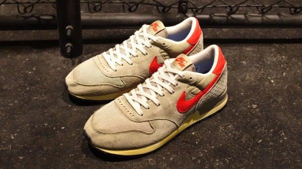 Nike-Air-Epic-Vintage-BeigeOrange-1-600x