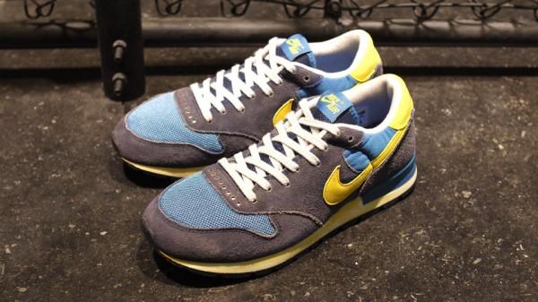 Nike Air Epic Vintage 'Navy/Yellow'