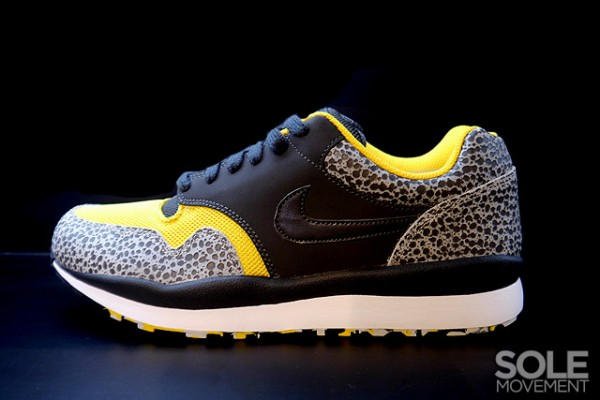 Nike Air Safari LE