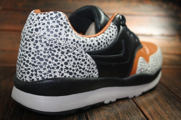 Nike Air Safari NRG QS - New Looks
