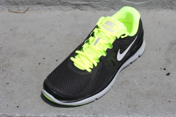 Nike LunarEclipse+ 2 'Black/Reflective Silver-Volt-Wolf Grey'