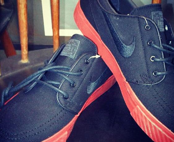 Nike SB Stefan Janoski 'Black/Sport Red' - Winter 2012