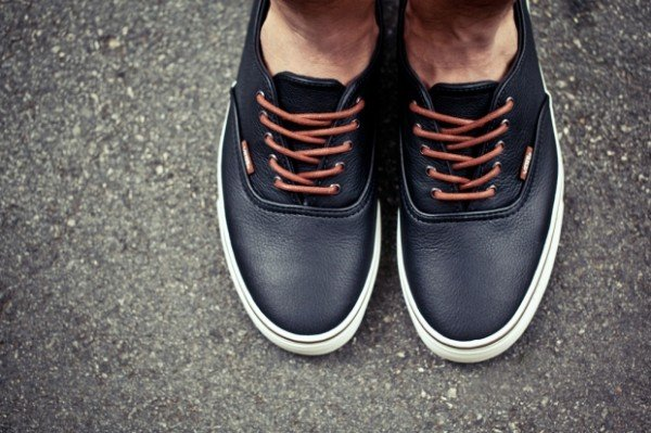 black authentic leather vans
