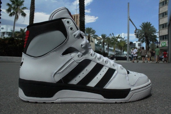 adidas-originals-conductor-hi-white-black-at-mr-r-sports-2