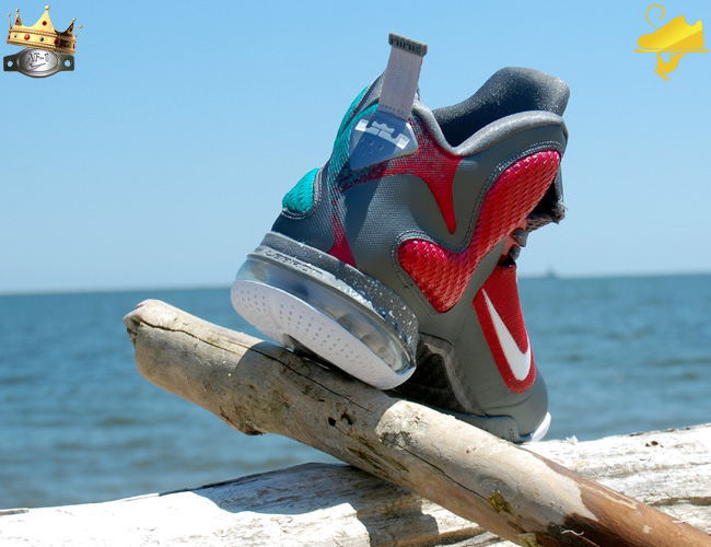 nike-lebron-9-mvp-in-south-beach-custom-by-gourmetkickz-4