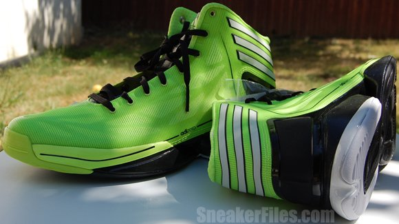 Video: adidas adiZero Crazy Light 2 Electricity Black