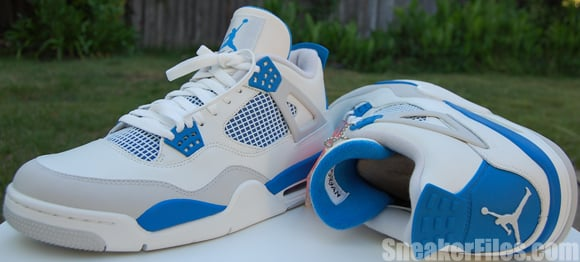 Video: Air Jordan IV (4) Military Blue 2012