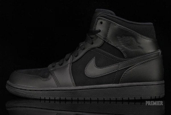 Air Jordan 1 Phat 'Blackout' at Premier