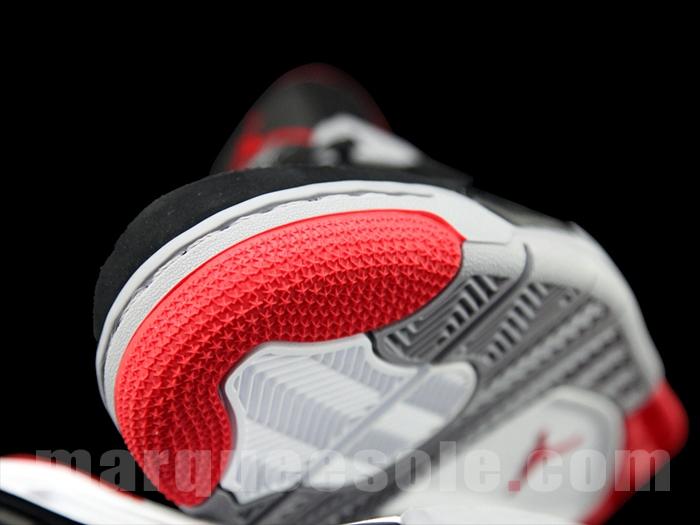 Air Jordan 4 'Black/Cement' - New Images