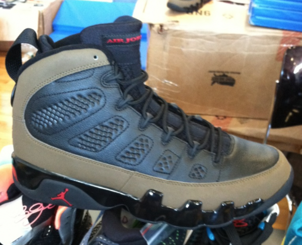 Air Jordan 9 'Olive' 2012 Retro - New Images