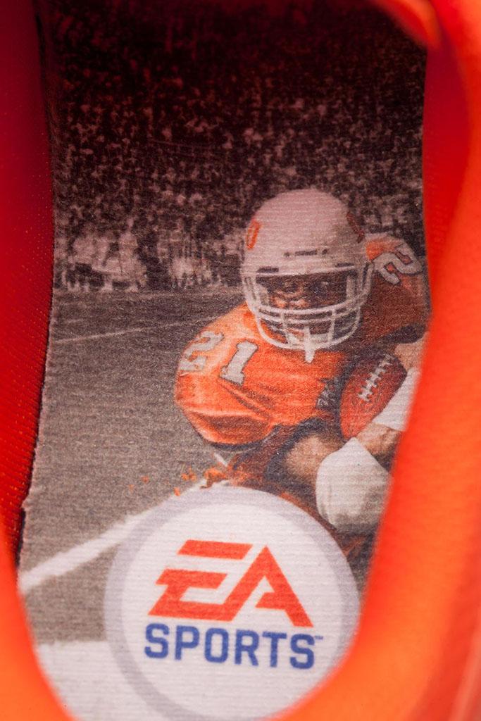 EA Sports x Nike Lunar TR1  NCAA Football  13   f5ed0bd138