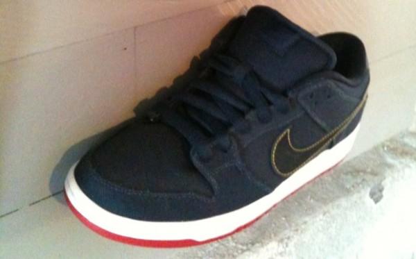 Levi's x Nike SB Dunk Low - New Images