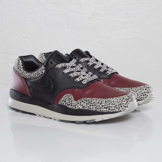 Nike Air Safari PRM NRG GBR 'Black/Black-Dark Team Red'