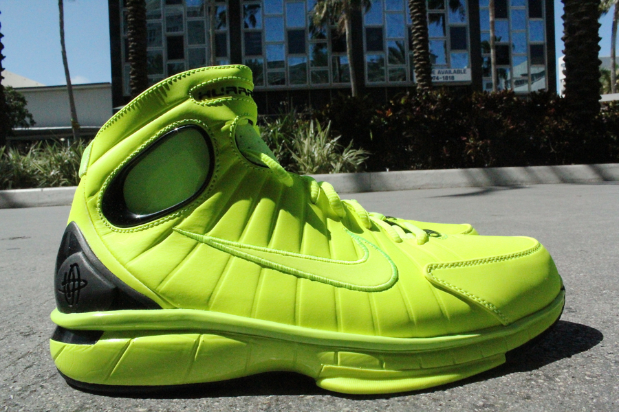 Nike Air Zoom Huarache 2K4 'Volt/Black' - Another Look | SneakerFiles