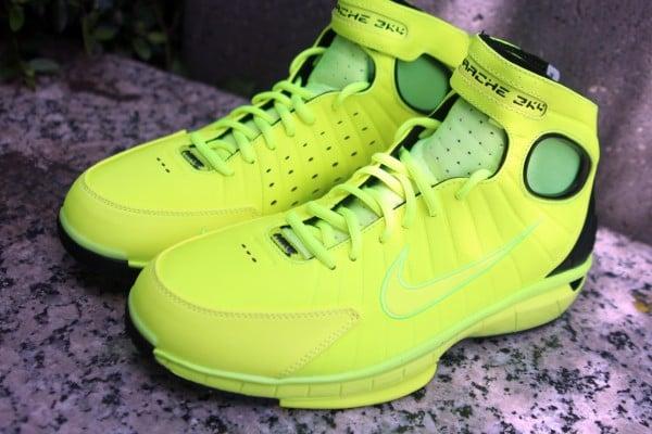 Nike Air Zoom Huarache 2K4 'Volt/Black' at Social Status
