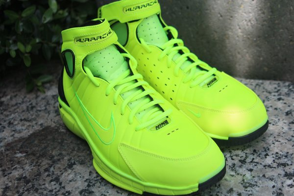 Nike Air Zoom Huarache 2K4 'Volt/Black' at Social Status