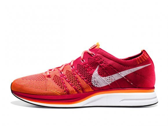 48a9d4e7ca36 ... Nike Flyknit Trainer+ University Red White-Total Orange – Release Date  + ...