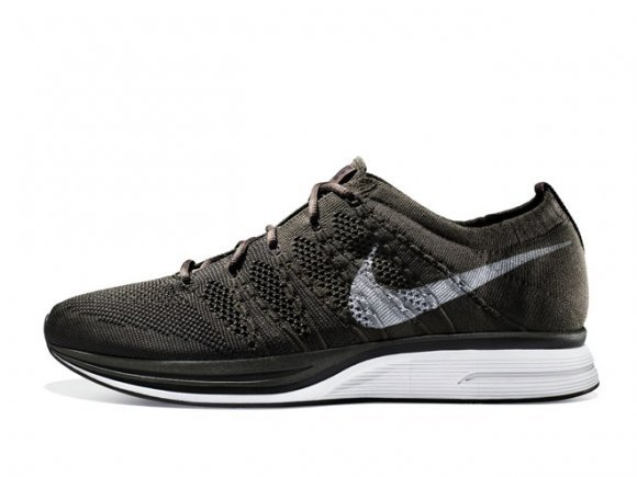 sports shoes adeb7 d4e9e Nike Flyknit Trainer+  Black Sequoia  - Release Date + Info