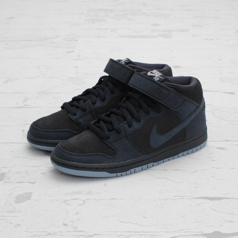 Nike SB Dunk Mid 'Dark Obsidian/Thunder Blue' at Concepts