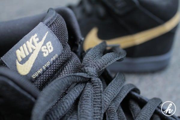 Nike SB Dunk Mid 'Dark Obsidian/Thunder Blue-Sail-Metallic Gold' - Detailed Images