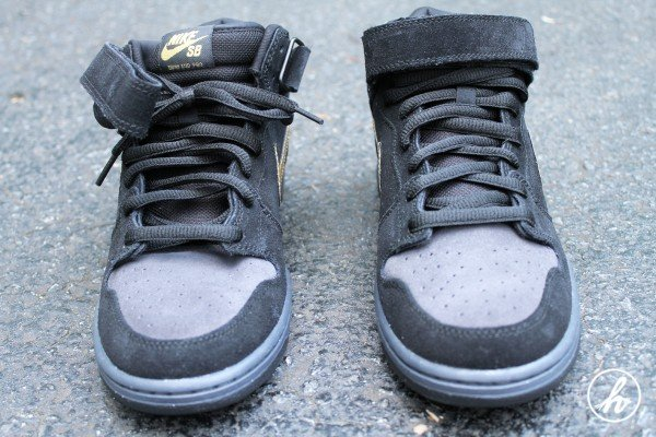 Nike SB Dunk Mid 'Dark Obsidian/Thunder Blue-Sail-Metallic Gold' - Detailed Images