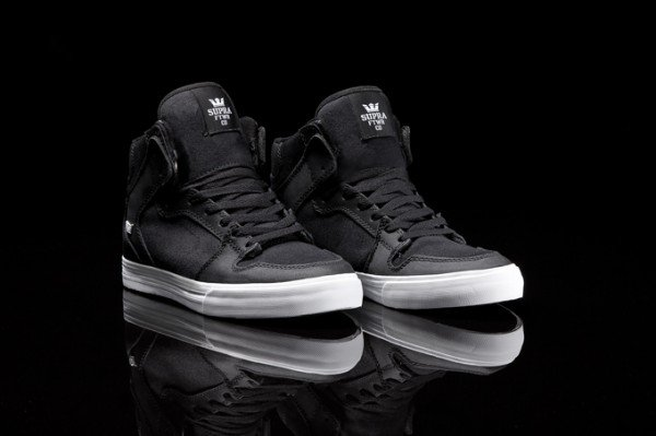 supra vaider 39 black tuf 39 sneakerfiles. Black Bedroom Furniture Sets. Home Design Ideas