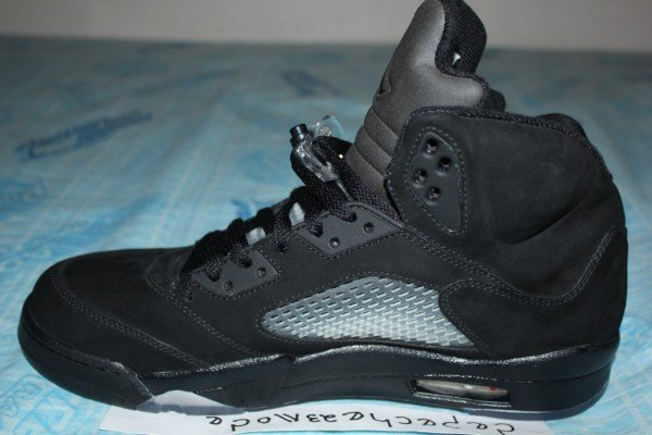 air-jordan-5-v-blackout-sample-3