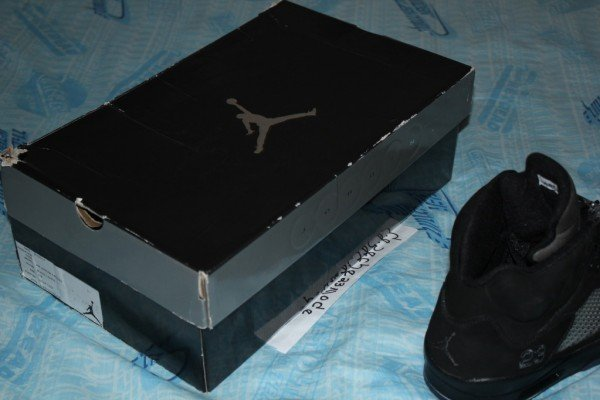 air-jordan-5-v-blackout-sample-9