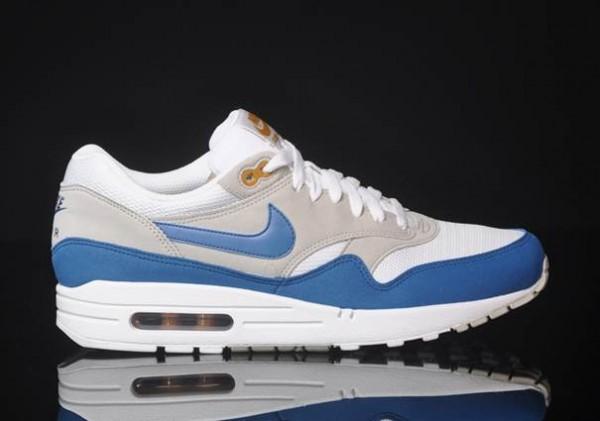 air max 1 blue and white