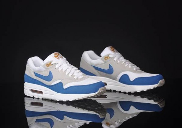 nike-air-max-1-summit-white-shaded-blue-sandtrap-at-afew-3