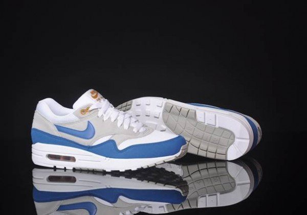 nike-air-max-1-summit-white-shaded-blue-sandtrap-at-afew-4