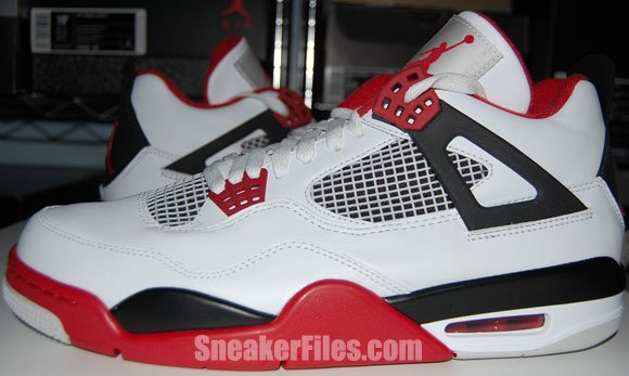 on sale 003bb 0363f Video  Air Jordan 4 (IV) Fire Red 2012 Retro