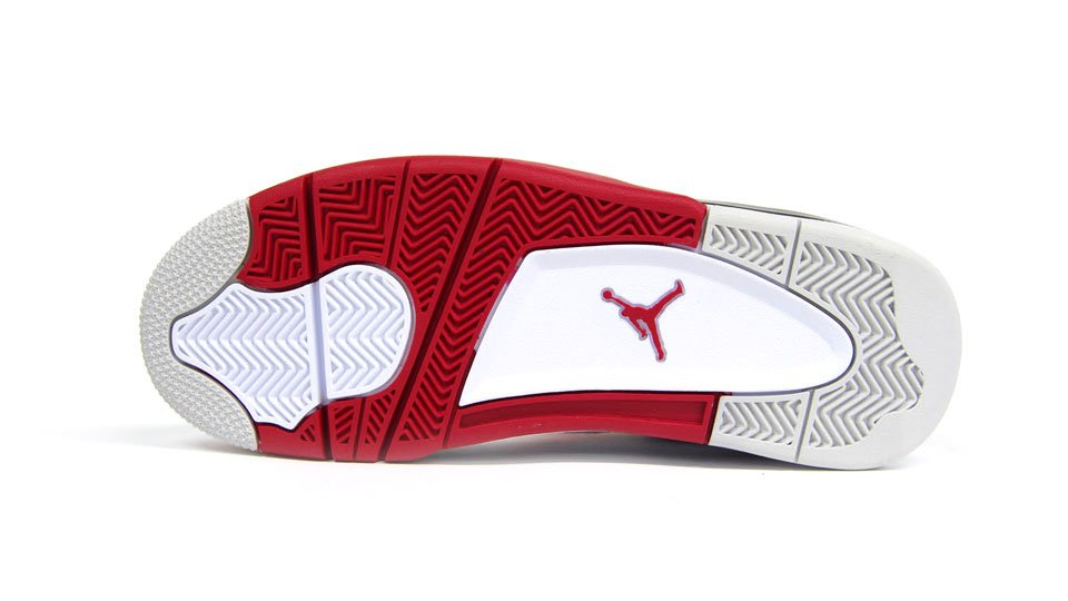 Air Jordan 4 'Fire Red' at mita