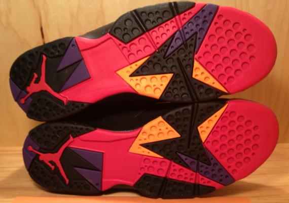 Air Jordan 7 'Charcoal' - Detailed Look