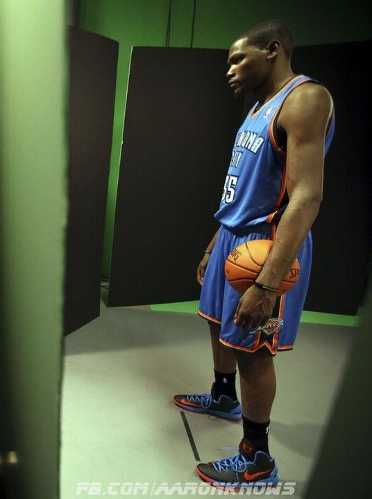 Kevin Durant in the Nike KD V
