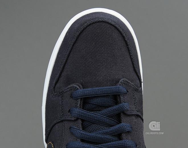 Levi's x Nike SB Dunk Low 'Dark Obsidian' at Caliroots