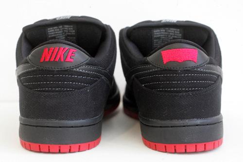 Levi's x Nike SB Dunk Low 'Black'