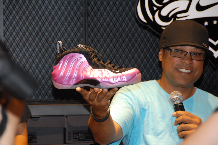 Nike Air Foamposite One 'Polarized Pink' - New Images