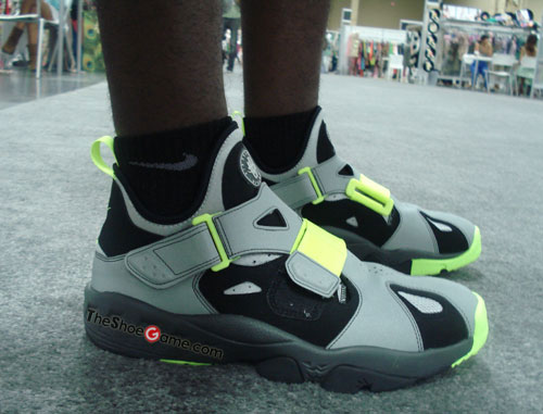 Nike Air Trainer Huarache 94 'Black/Volt-Strada Grey-Anthracite'