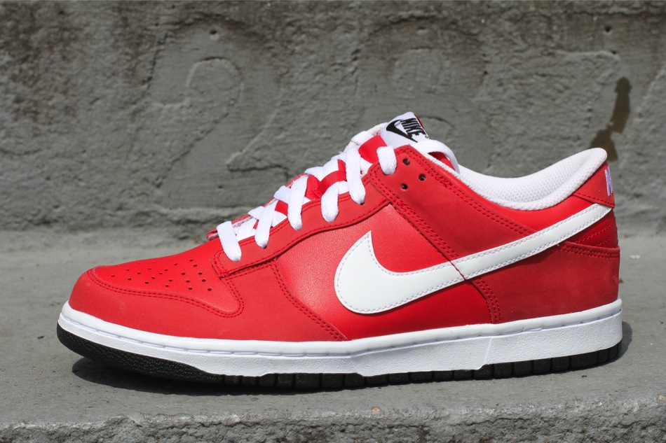Nike Dunk Low 'Sport Red'