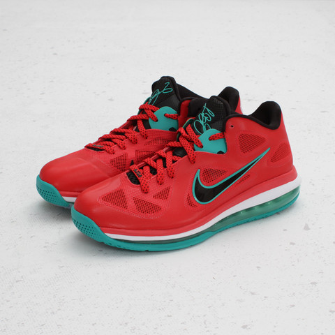Nike LeBron 9 Low 'Liverpool' at Concepts