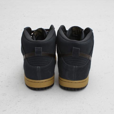 Nike SB Dunk High 'Classic Charcoal/Tar-Black'