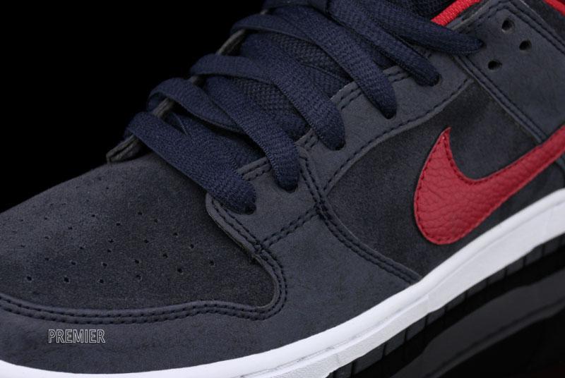 Nike SB Dunk Low 'Dark Obsidian/Gym Red-White' at Premier