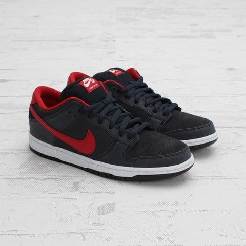 Nike SB Dunk Low 'Dark Obsidian/Gym Red-White'